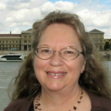 Valerie Knies